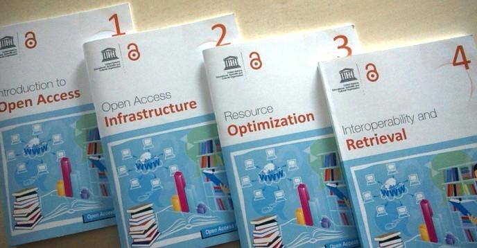 ЮНЕСКО выпустила бесплатные учебники для библиотекарей и исследователей