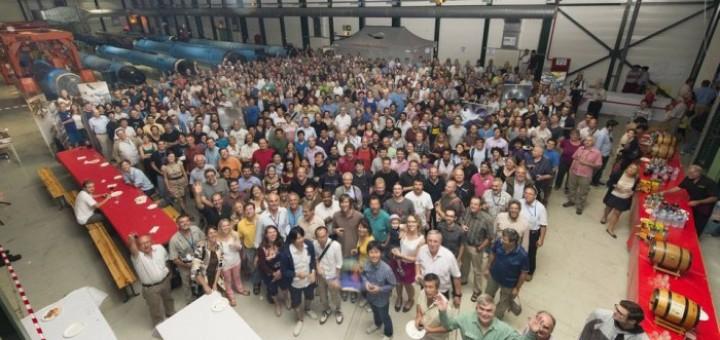 Количество соавторов научных работ всё чаще превышает тысячу человек