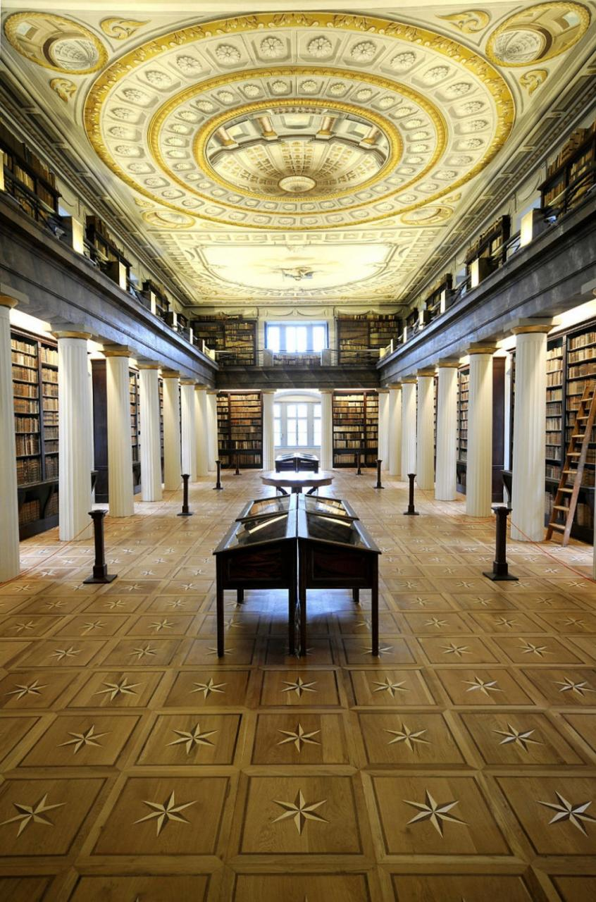 25 самых величественных библиотек в мире