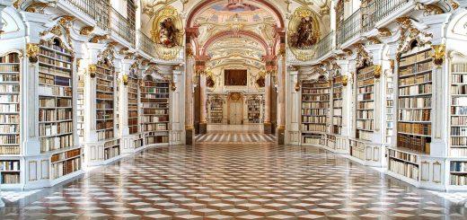 Библиотека Admont Abbey - крупнейшая в мире из монастырских библиотек.